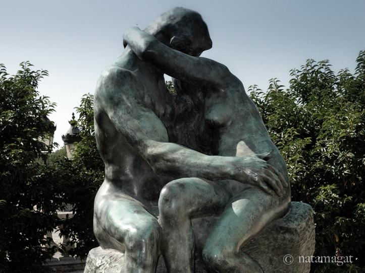 Love_Rodin_Kiss-2